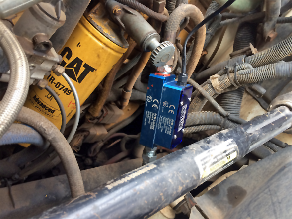 PFM Blue connected to engine with CAT filter